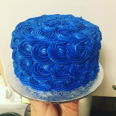 синий торт | Тренды дизайна тортов 2018-2019 | Блог | Торт на заказ