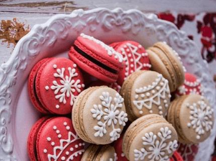 Макаруны на новогодний корпоратив | Торт на заказ во Львове