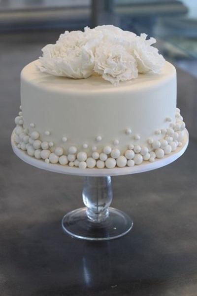 торт с бисером | Тренды дизайна тортов 2018-2019 | Блог | Торт на заказ
