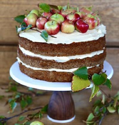 торт украшенный фруктами | Тренды дизайна тортов 2018-2019 | Блог | Торт на заказ